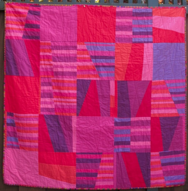 Fuchsia by Carol Van Zandt, quilted by Hello Stitc